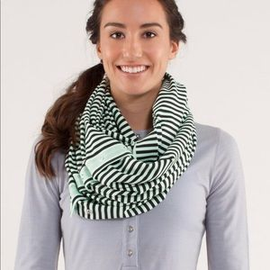 Lulu lemon scarf